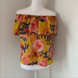 Lily white Off The shoulder top S floral Yellow